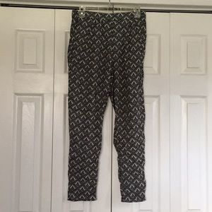 Soft patterned H&M slouchy pants